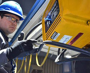 acculift certified crane inspector in manitoba and saskatchewan