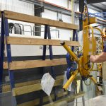 Custom glass handling device for lifting solutions from Acculift